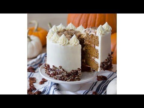 How to Make Pumpkin Pecan Cake