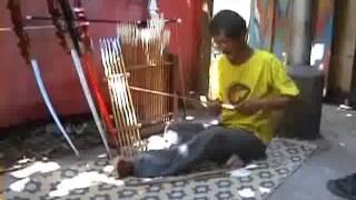 traditional bow maker, pembuat busur panah tradisional 2
