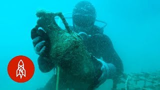 Aging Wine at the Bottom of the Sea