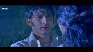 rathinirvedam romantic scenes  sweetha menon romance with sreejith