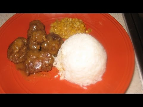 HOW TO MAKE SMOTHERED MEATBALLS AND GRAVY