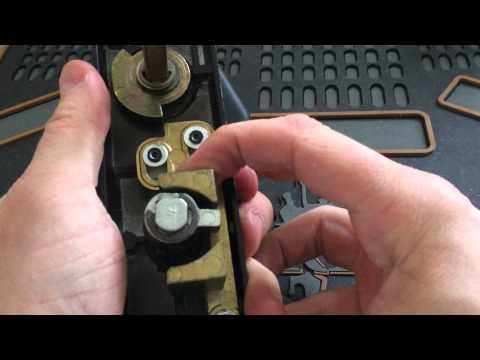 GARAGE DOOR LOCK PICKED OPEN Wafer lock, low security. - Trigz