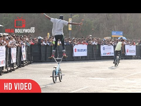 Amazing bicycle stunts | Suzuki Gixxer Day | ViralBollywood Entertainment