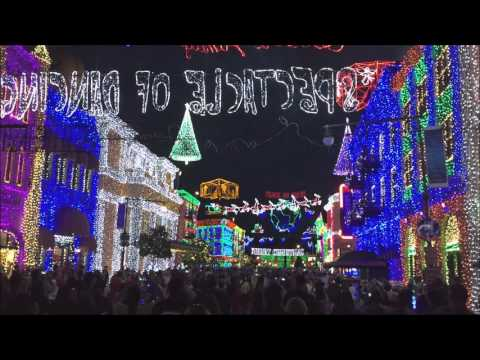 Osborne Family Spectacle of Dancing Lights at Disney Highlights
