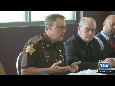 Law Enforcement discusses how to end school shootings