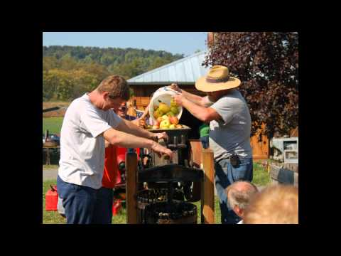 Making Apple Cider the Old Fashioned Way - Hedgesville, WV