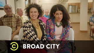 Behind Broad City - Designing the Girls