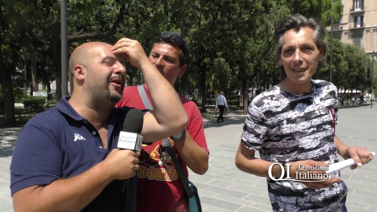 Bari, ex tossici a passeggio in piazza Umberto