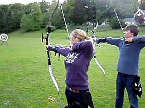 Left Handed recurve archery -Mabel and Sam