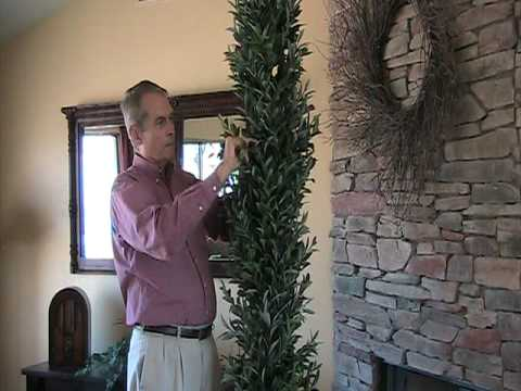 How to Fluff Out An Artificial Tree