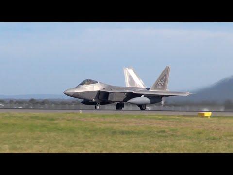 US Air Force F22 Raptors full afterburner takeoff! - Avalon International Airshow 2015