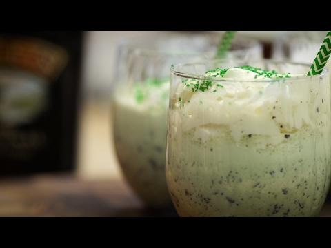 How to Make Mint Chocolate Chip Milkshakes
