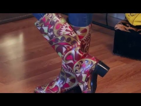 How to Wear Rain Boots With Jeans : Fashion & Style Advice