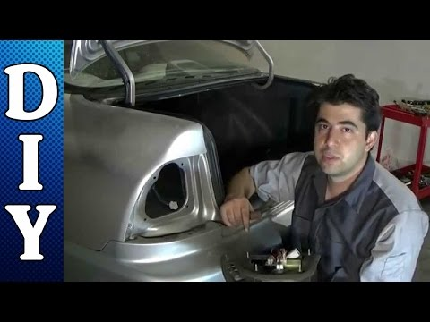 How to Replace the Brake Light Assembly and Bulbs on a Honda Accord