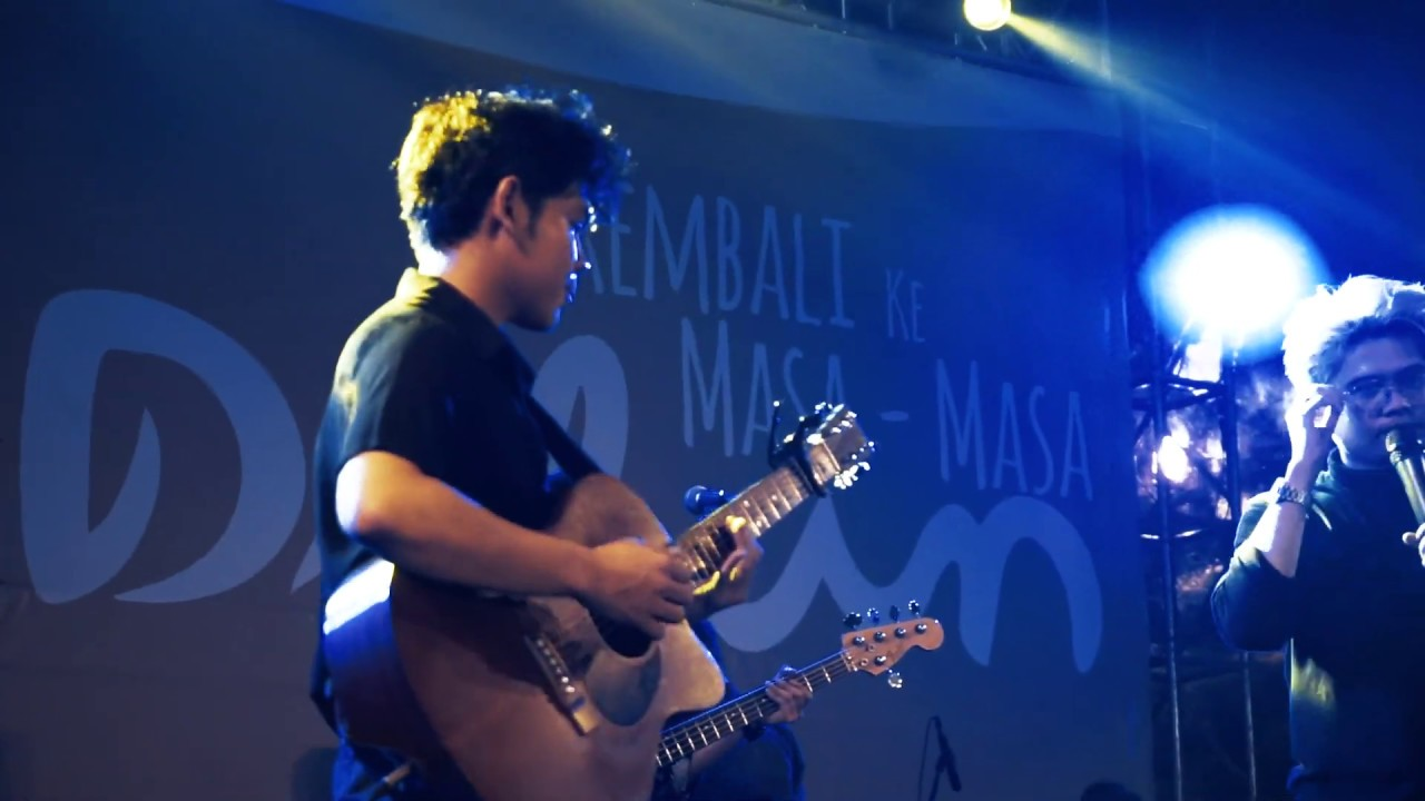 Download Juicy Luicy - Tanpa Tergesa (Live At Hari Dilan Ciwalk bandung) MP3 Gratis