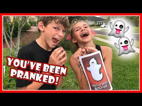 GUESS WHO WE BOO!| KAYLA AND TYLER HALLOWEEN PRANK | We Are The Davises