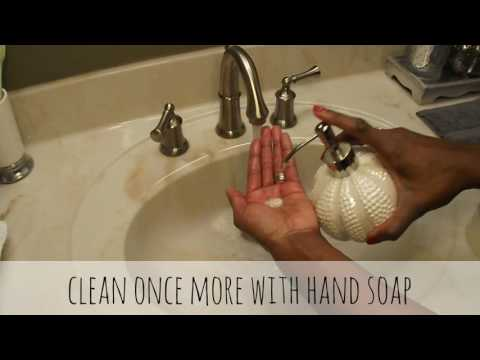 HOW I CLEAN MY MAKEUP BRUSHES| Coconut Oil| Tea Tree Oil