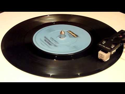 Martha And The Muffins - Echo Beach - Vinyl Play