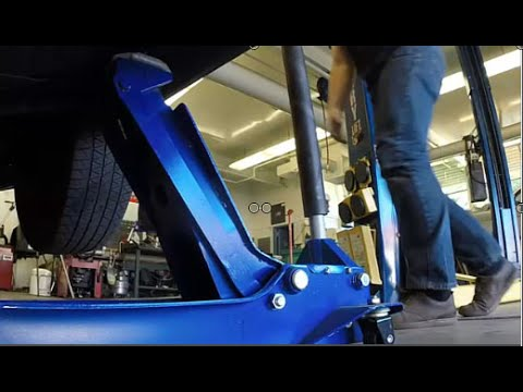 How to Lift an Support a Car the Safe Way
