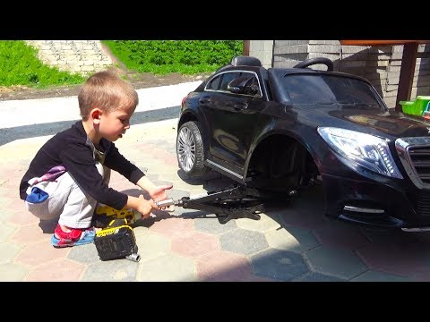 Little Boy Driving a Mercedes mini CAR & Learn Colors With Fitness Balls