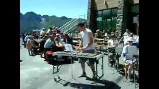 Circus Renz Solist: Stein Celis http://fasido.be https://www.facebook.com/fanfaresintdonatus/ Koninklijke fanfare Sint-Donatus, Bouwel 2010  Filmke van Jens Horemans