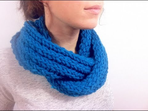 How to Loom Knit a Ribbed Infinity Scarf (DIY Tutorial)