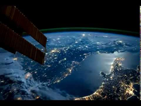 Timelapse of an ISS flight from Europe to Australia at night