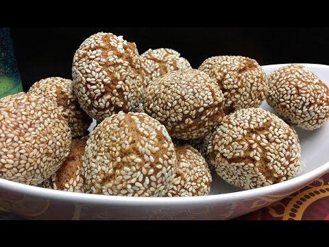 Binangkal sa Cebu (Filipino Fried Biscuits with Sesame Seeds)