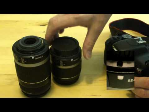 How to swap the lens on a DSLR camera