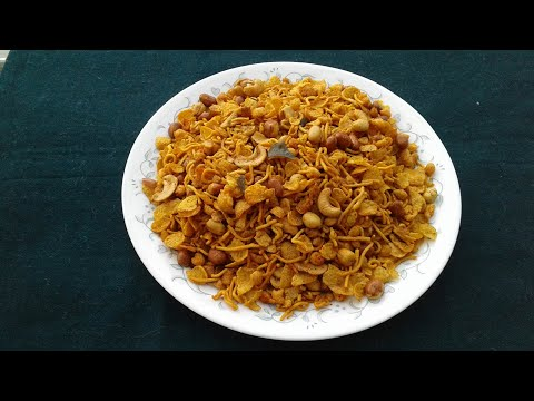 Spicy  corn flakes mixture