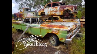 Abandoned Cool old Classic car grave yard