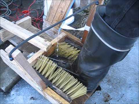 Homemade shoe cleaning machine