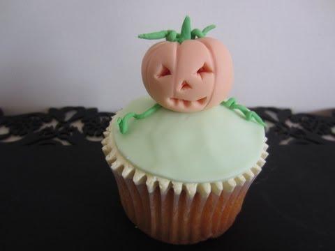 How to Make Halloween Cupcakes - Pumpkin (Jack O'Lantern) Topper