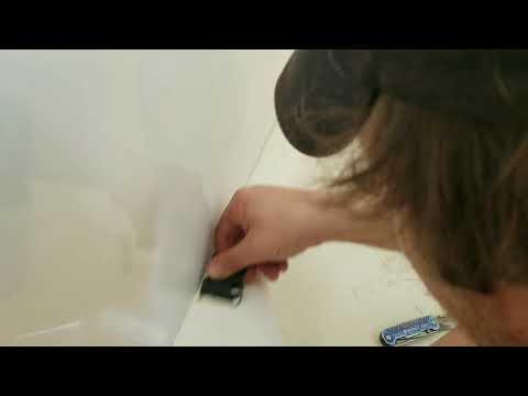 Caulking a Tub - Removing old caulk