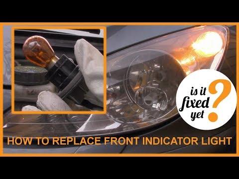 Changing FRONT TURNING INDICATOR LIGHT BULB - Peugeot 307