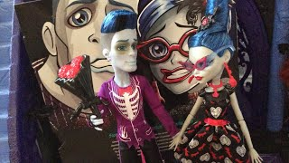Monster High Love's Not Dead Ghoulia Yelps And Slo Mo Prom Two Pack Doll Review! | Throwback Review