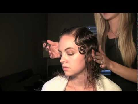 Finger Waves Technique - How To Achieve The Classic Vintage Look