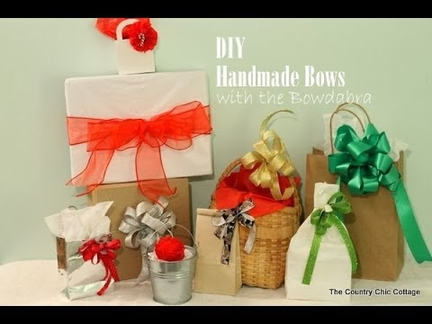 Quick and Easy Holiday Gift Bows with the Bowdabra