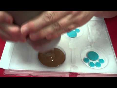 How  To Make Paw Prints Lollipops