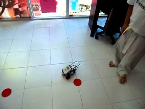 Curve Turn with Lego Mindstorms Nxt
