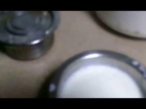 Make yogurt with milk powder.