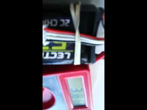 How to check LiPo battery voltage with multimeter.