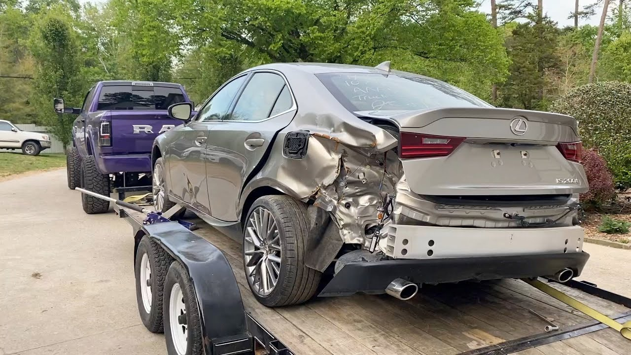 I Bought A Wrecked 2016 Lexus 200t From IAAI