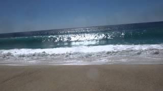 Large waves at Cabos Beach
