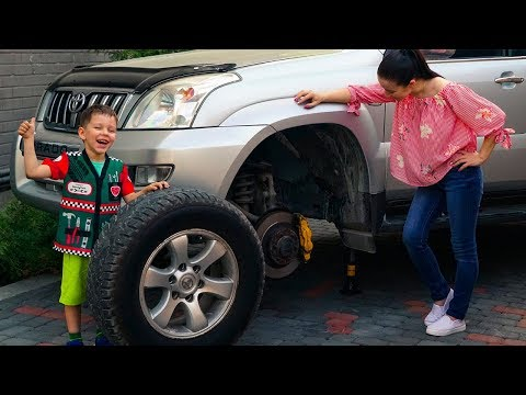 The WHEEL FELL OFF on the jeep Ride on Power Wheel car Funny kid FIXING Wheel Cars video for kids