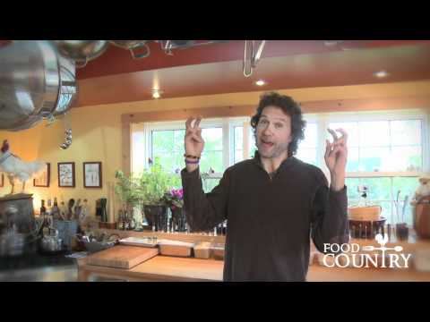 Tip: Cleaning Mushrooms with Chef Michael Smith