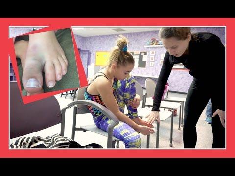 KATIE INJURES HER TOE IN THE GYM | Flippin' Katie