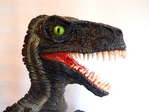 Timelapse Dinosaur Cake Sculpting