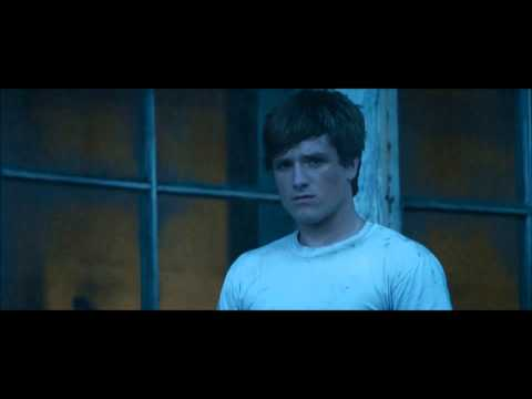 The Hunger Games: Katniss and Peeta Bread Flashback [HD]
