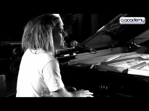Tim Minchin: 'You Grew On Me' Live Session